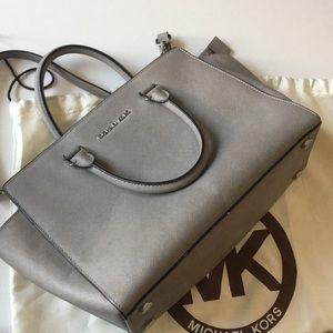 MK Michael Kors Large Selma Leather Handbag